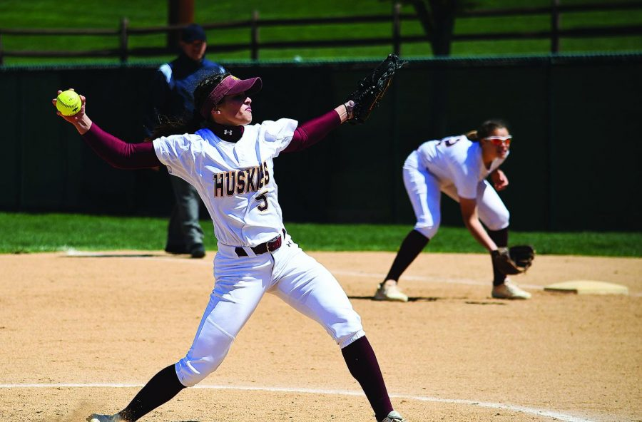 Abby+Wild+will+serve+as+the+Huskies+top+pitcher+in+2020.