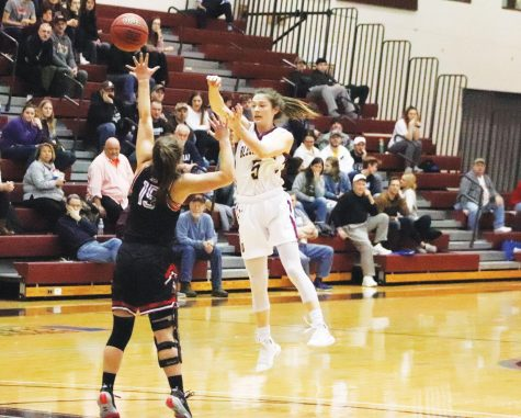 Mauras breaks 1k in win over Mansfield